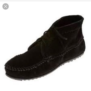 Minnetonka suede ankle boot moccasin black size 8